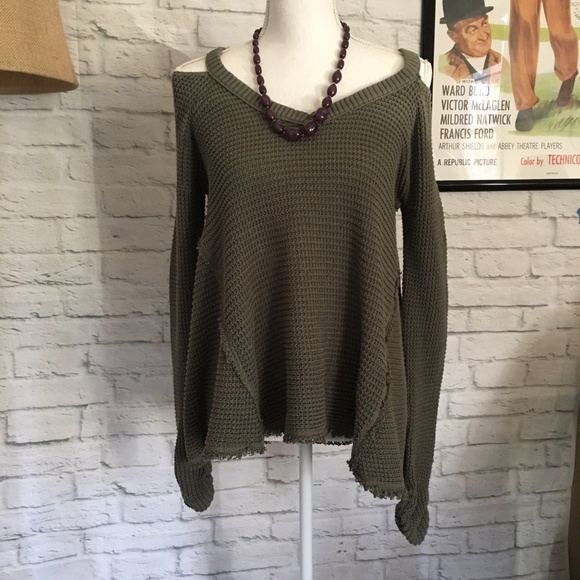 7edb5349aefa4 Free People Tops - Free People Moonshine Cold Shoulder Top Size S